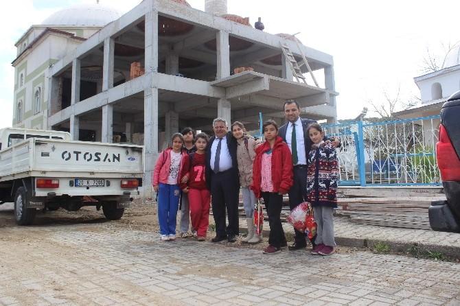 Yenipazar'daki Camilerde Çocuklar İçin De Alanlar Oluşturuluyor