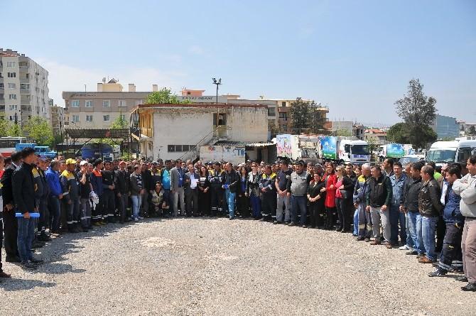 Buca'da Taşeron İşçilerinin Sendika Sevinci