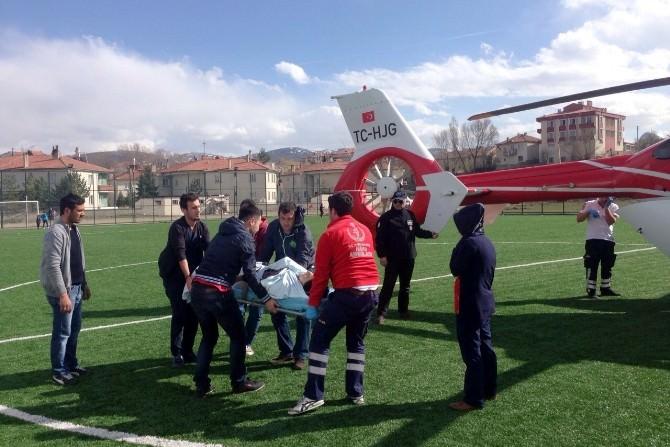 Gümüşhane'de Erken Doğum Şüphesi Olan Kadın Ambulans Helikopterle Sevk Edildi