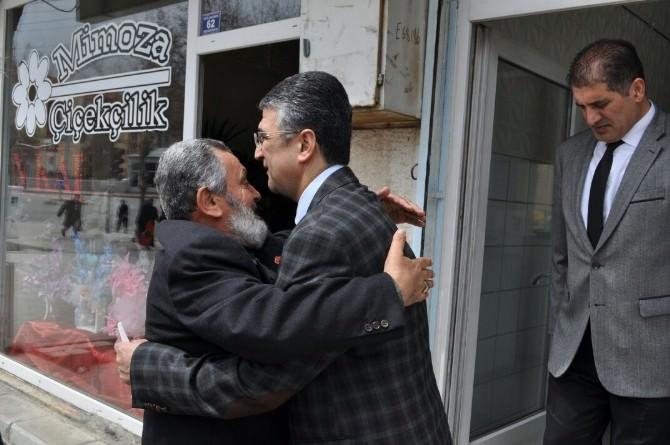 MHP Milletvekili Adayları Prof. Dr. Aydın Ve Kaya Palandöken'de Esnafı Ziyaret Etti