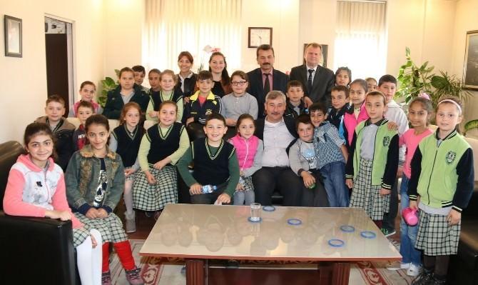 Başkan Yaralı İlkokul Öğrencilerini Ağırladı