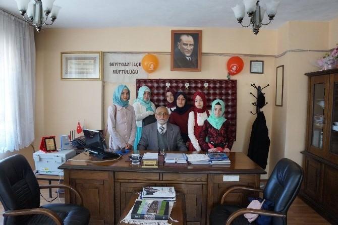 Seyitgazili İmam Hatipli Öğrencilerinden Müftü Cengiz'e Teşekkür Ziyareti