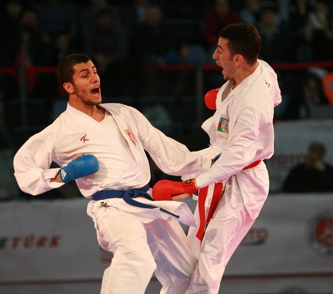 Milli Karatecilerimiz Sırbistan'da 2 Altın Madalya Kazandı
