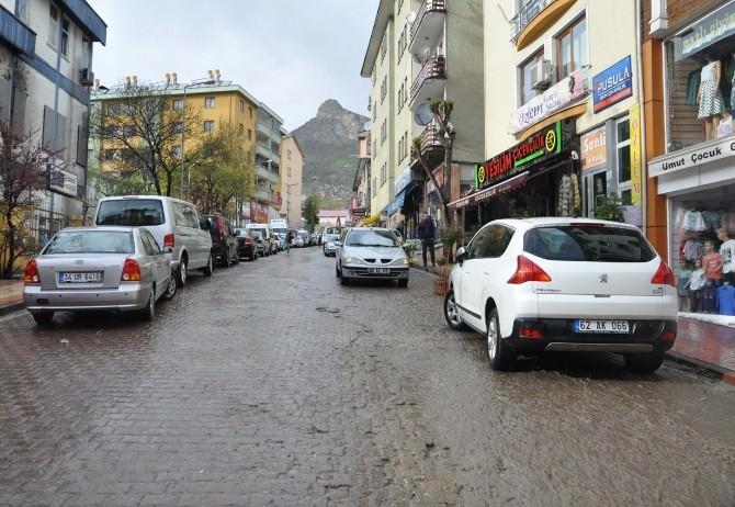 Tunceli'de Dolu Yağışı Hayatı Olumsuz Etkiledi