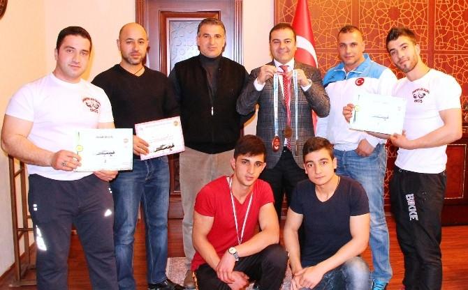 Ercişli Milli Sporcu Türkiye'yi Bulgaristan'da Temsil Edecek