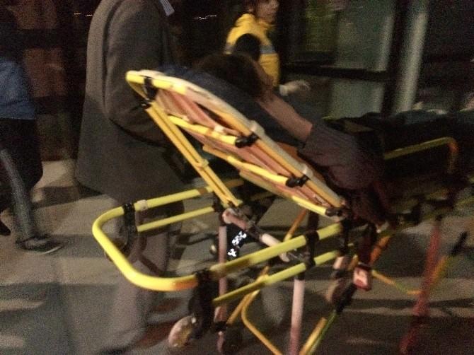 Van'da 2 Ayrı Trafik Kazası; 3 Yaralı