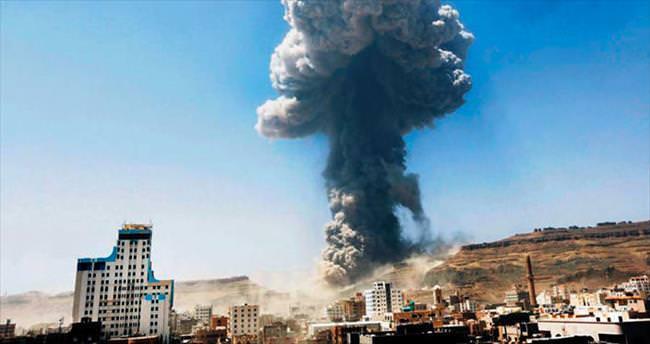Koalisyon uçakları Yemen'de füze deposunu havaya uçurdu