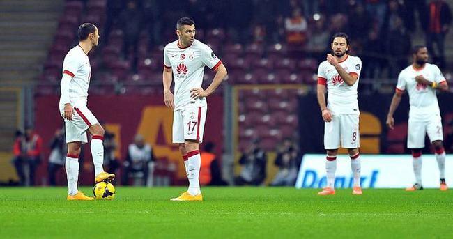 Galatasaray son dakikalarda puan kaybetti