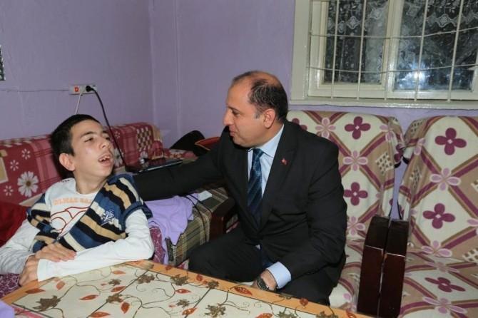 Engelli Murat'a 23 Nisan Hediyesi