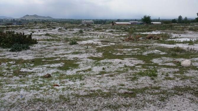 Kozan'da Dolu Yağdı, Ekili Alanlar Beyaza Büründü