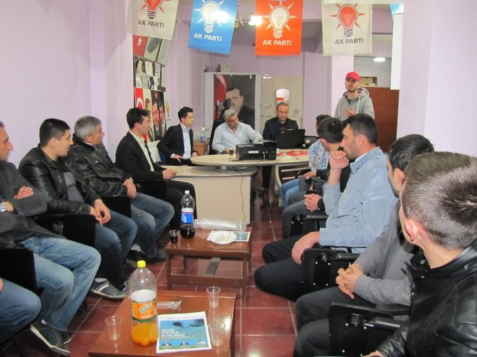 AK Parti Hisarcık Gençlik Kolları Toplandı