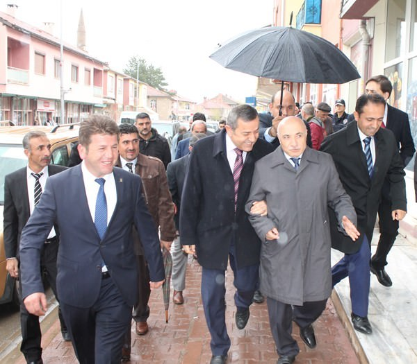 AK Parti Milletvekili Adayları İlçe Ziyaretlerini Sürdürüyor