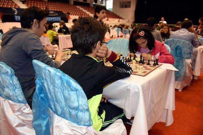 Aliağa Belediyesi 14. Geleneksel Satranç Turnuvası Sona Erdi