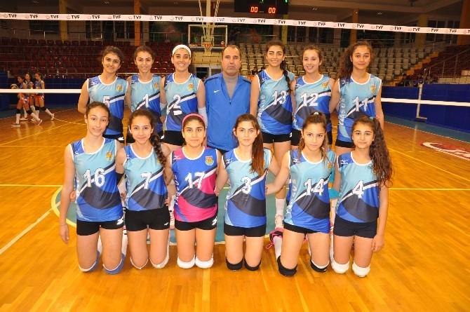 Tarsus Belediyespor Yıldız Bayan Voleybol Takımı Yarı Finalde