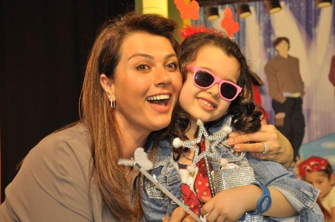 Açelya Akkoyun'un Kızı Alya 7 Yaşına Girdi