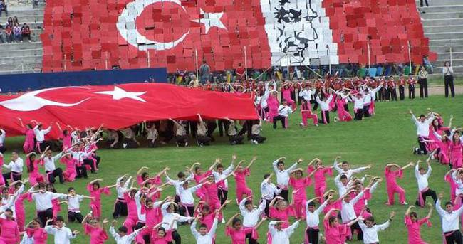23 Nisan Ulusal Egemenlik ve Çocuk Bayramı — Mesaj ve şiirleri