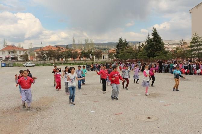 Hisarcık'ta 23 Nisan Ulusal Egemenlik Ve Çocuk Bayramı Provaları Yapıldı