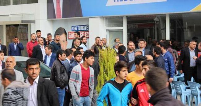 Batman'da AK Parti lokaline silahlı saldırı