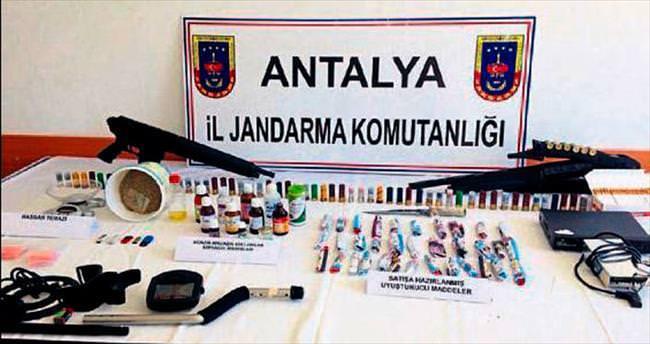 Antalya jandarmasının 'Temizlik' operasyonu
