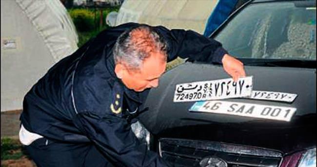 Suriyelilerin araçlarına geçici Türk plakası