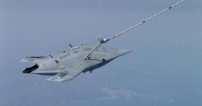 ABD'den insansız savaş uçağında bir ilk