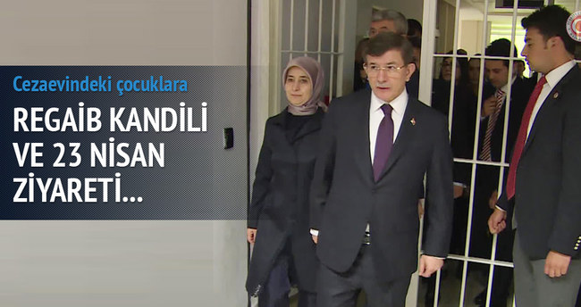 Davutoğlu cezaevindeki gençleri mest etti!