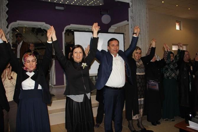 AK Partili Adaylar Kadınlarla Buluştu