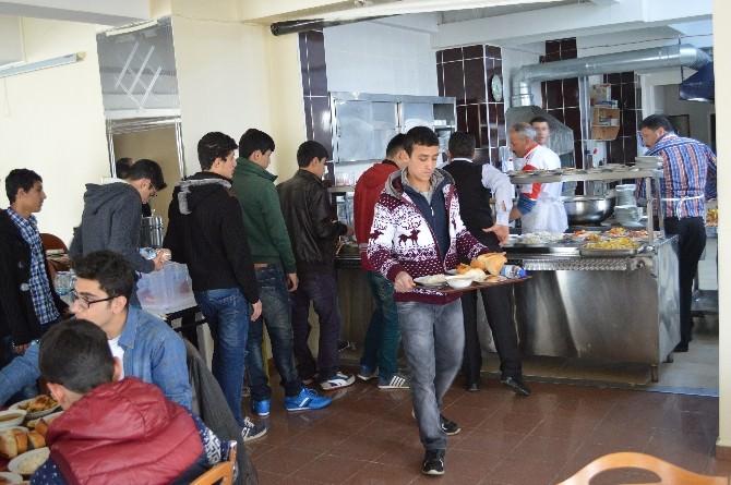 """Erzincan Emniyeti """"Kardeşiz"""" Projesiyle 38 Öğrenciyi Çanakkaleye Yolcu Etti"""