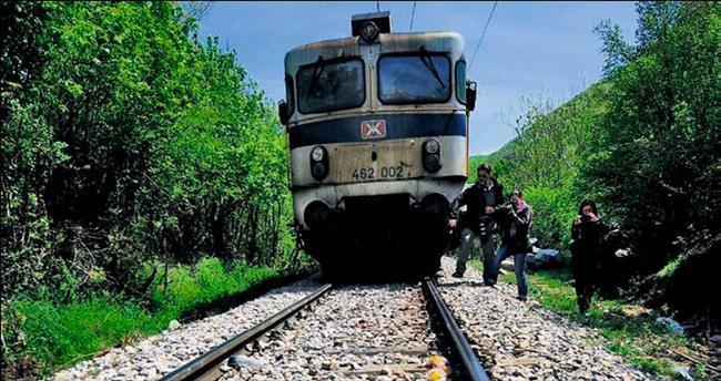 Mültecileri bu kez tren ezdi: 14 ölü
