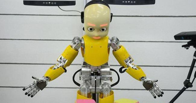 Çocuk robot iCub büyüyor