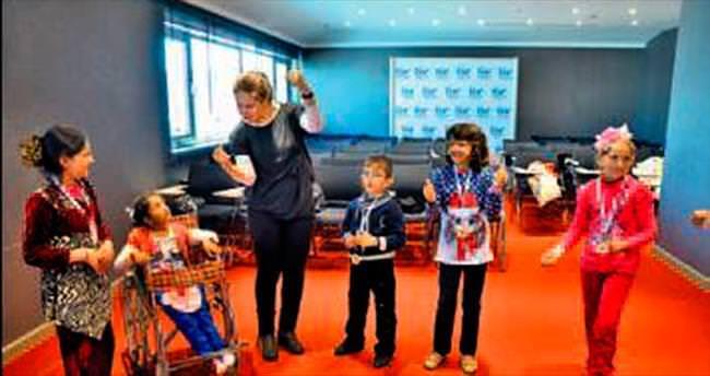 Mülteci çocuklara 'drama atölyesi'