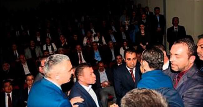 MHP tanıtımında çirkin saldırı