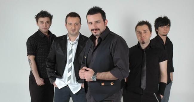 Gece Yolcuları Kosova'da binlerce kişiye konser verdi