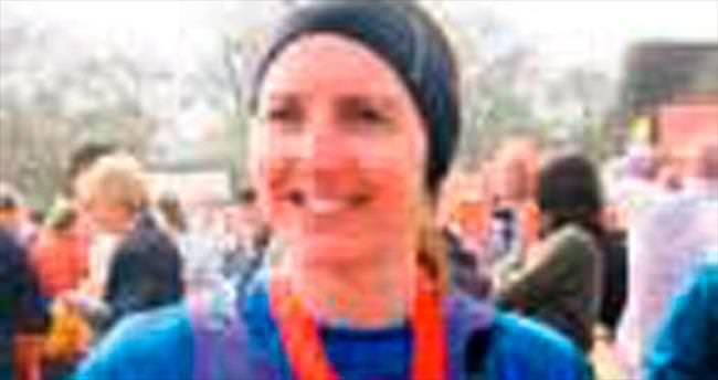 'Süper Anne' kansere rağmen maraton koştu