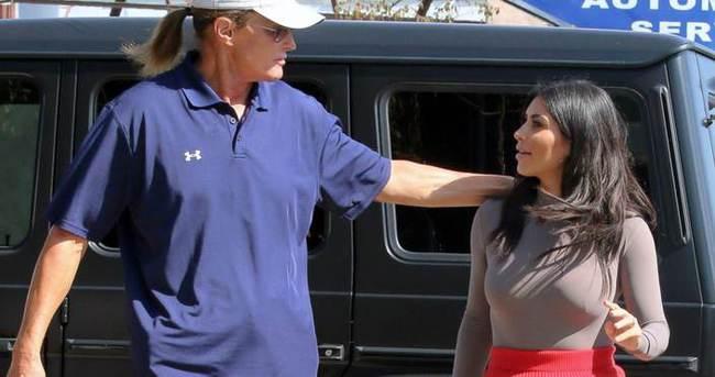 Kim Kardashian üvey babasına sahip çıktı