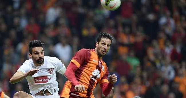 Defans atıyor, Galatasaray kazanıyor