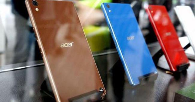 Acer'dan üç SIM destekli telefon