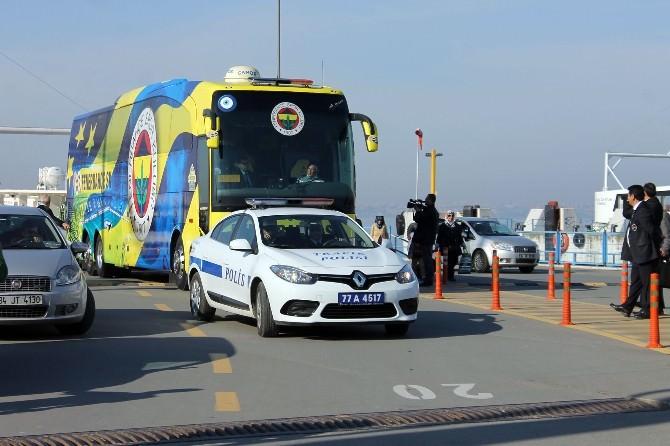 Fenerbahçe'yi Yalova'da Bir Taraftar Karşıladı