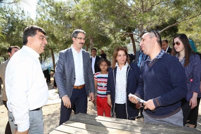 Fadıloğlu Ve Milletvekili Adaylarından Piknik Yapan Vatandaşlara Ziyaret