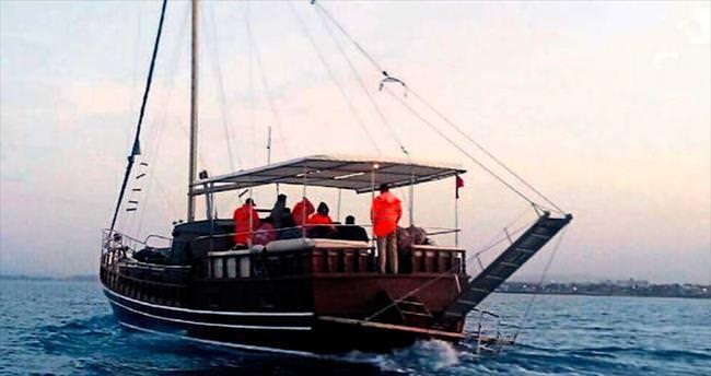 Gezi teknesine mülteci operasyonu