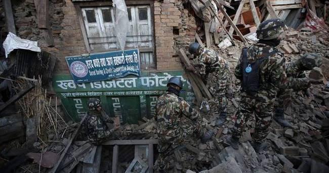 Nepal'de ölü sayısı 4 bin 500'e yükseldi