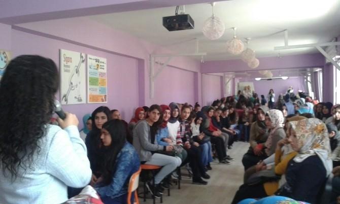 Gençlik Merkezi Öğrencileri Tanışma Çayında Buluştu