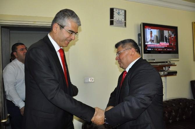 MHP'li Tarkan Akıllı Serik'te Esnaf Temsilcileriyle Buluştu