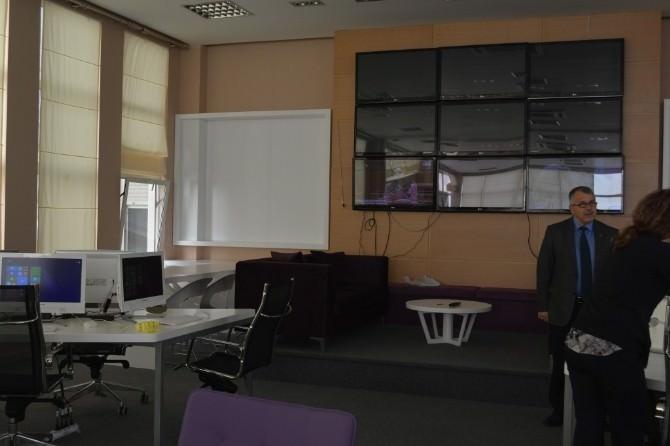 Arnavutluk Başbakanlık İletişim Departmanı Ve Kriz Yönetim Merkezi'ne Donanım Desteği