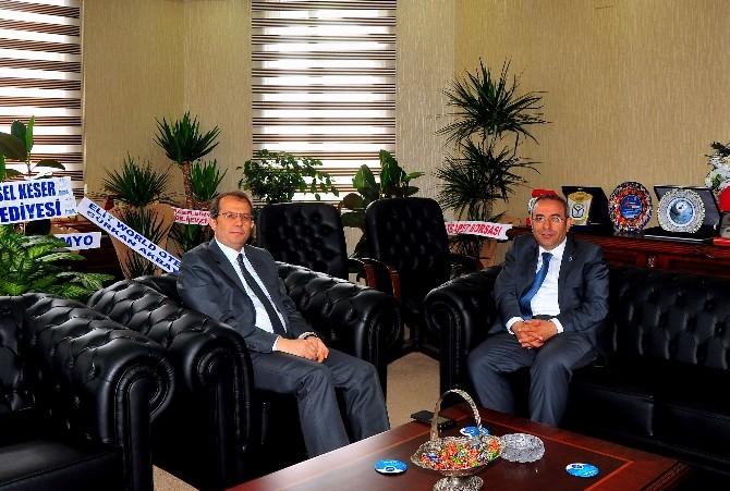 Vali Taşyapan Rektör Battal'ı Ziyaret Etti
