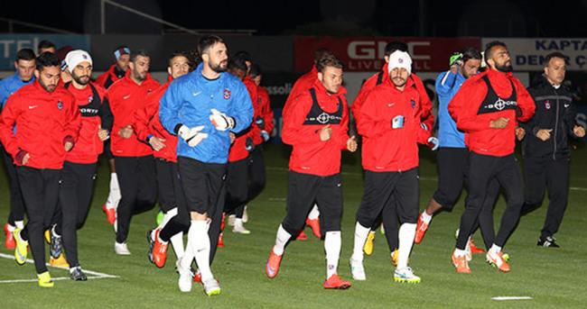Mehmet Ekici, takımdan ayrı koştu