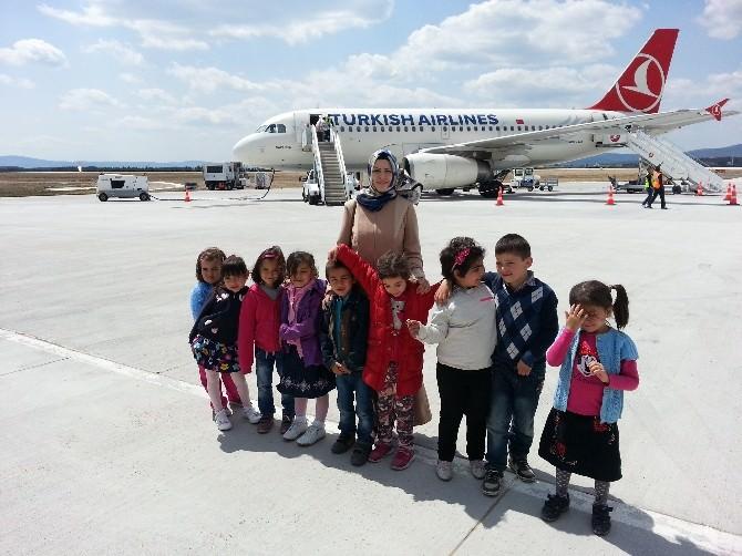 Öğrenciler, Kastamonu Havalimanını Gezdi