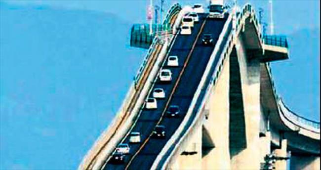 Roller Coaster değil köprü...