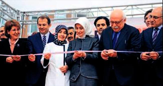 Sare Davutoğlu Erciş'te kız yurdu açtı