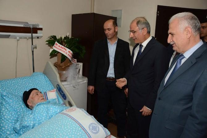 Efkan Ala, Hastane'de Tedavi Gören Vali Dr. Altıparmak'ın Babasını Ziyaret ETİ